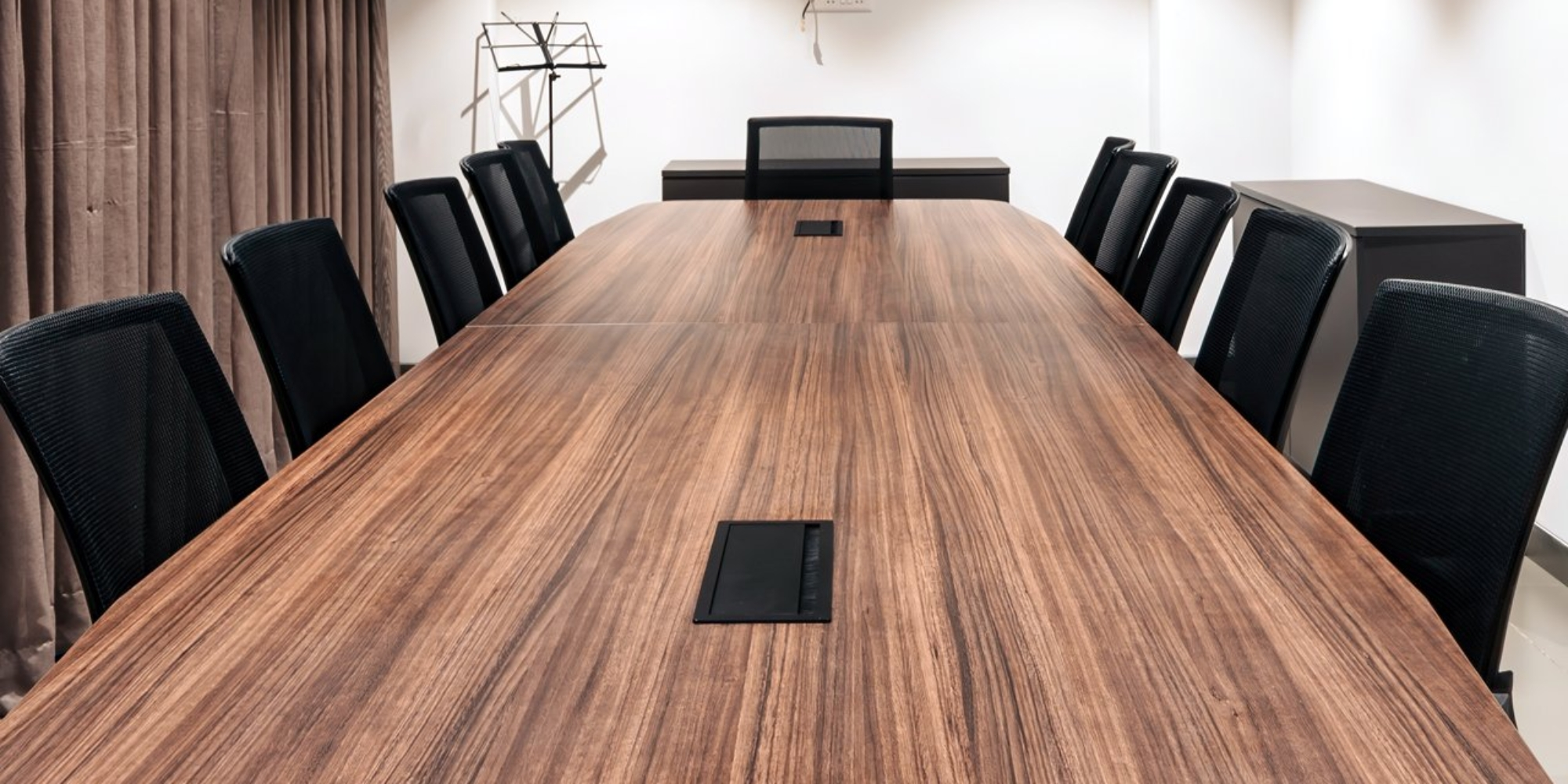 conference-room-00